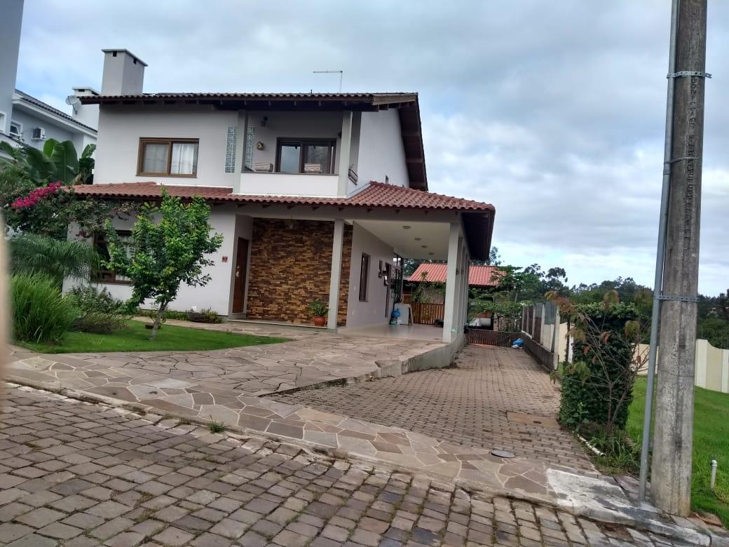 Casa de Alvenaria Condomínio Fechado